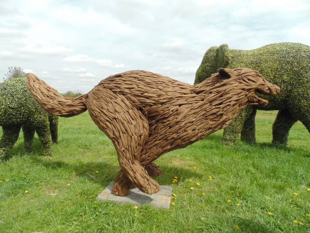Running Wolf Jute Stage Prop Sculpture Bury-st-Edmunds Wolf Trail
